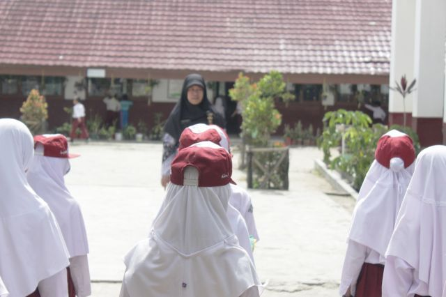Surat Edaran Bersama Menteri Pendidikan dan Kebudayaan Dan Menteri Dalam Negeri Tentang Pelaksanaan Penerimaan Peserta Didik Baru